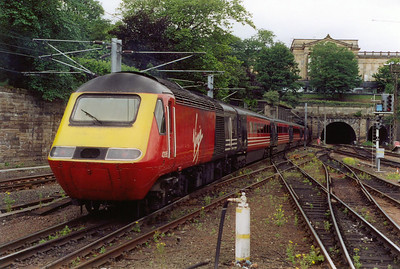 43195 is the rear powercar for the 0924 Virgin Cross Country service from Edinburgh to Glasgow Central, 1D84. On arrival it will reverse and form the southbound Cornish Scot, 1V52 1120 Glasgow Central to Penzance.