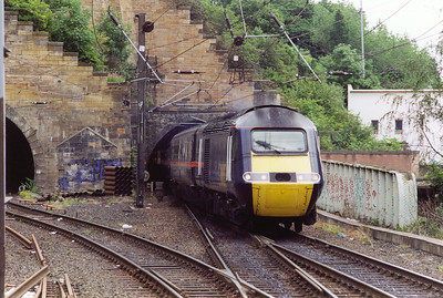 43116 squeezes its train from the southern bore of Carlton Hill Tunnel with 1S11 0710 Leeds to Aberdeen GNER service.