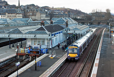 The Stirling North signalman has put 170457 into platform 6 rather than 9 with train 2N54 1541 Alloa to Glasgow Queen Street. This pleased me for the next shot.