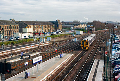 158729 gets away and clears the platforms into the vast southern throat of the station.  The new LED up starter signal can just be seen in the bottom left of the picture.