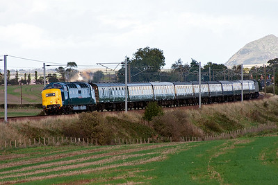 Deltic 55022 Royal Scots Grey leans into the curve with the Kings Cross to Edinburgh leg of a tour to Inverness,  1Z55 0755 off.