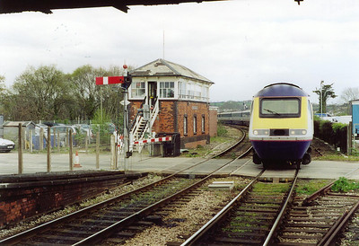 43041 passes in front of the former Great Western signalbox with the 85 minutes late running and terminating 1C09 0745 Paddington to Penzance via Bristol. The onward passengers will be put on the following service. This train will turn round here and return to London in its rightful path.