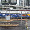 Pacific National Locos PN006 passing through Roma St station