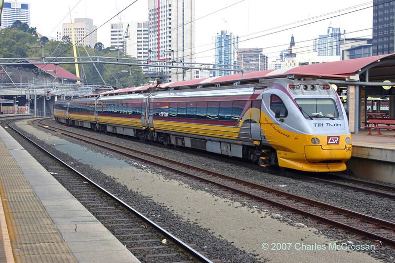 Roma Street station - Tilt Train