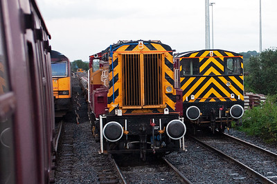 The other two cut down 08/9 shunter are found at Bury. 08993 and 08995 sit beside 60083.