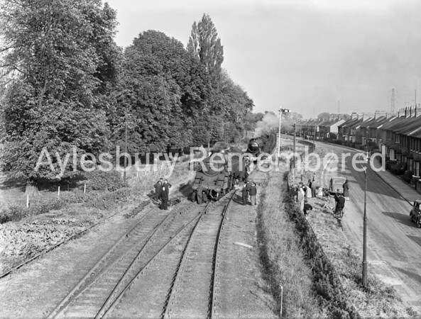 Engine off the rails at Stocklake, Oct 4 1957