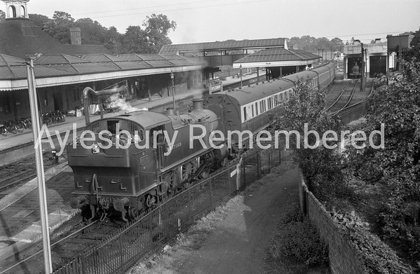Aylesbury Town Station, Aug 30th 1948