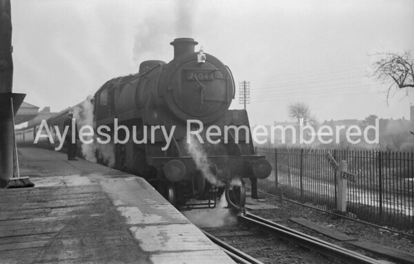 76044 at Aylesbury Town Station, 1963