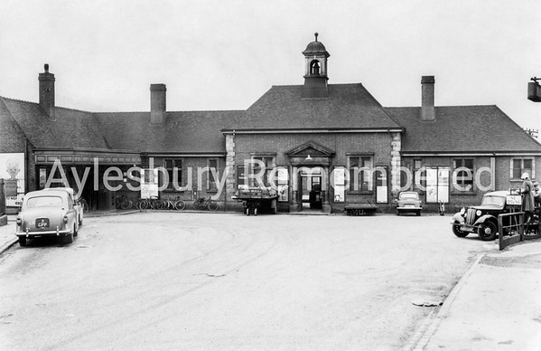 Aylesbury Town Station, 1950s