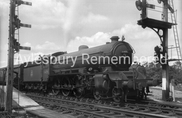 61475 at Aylesbury Town Station, July 1950
