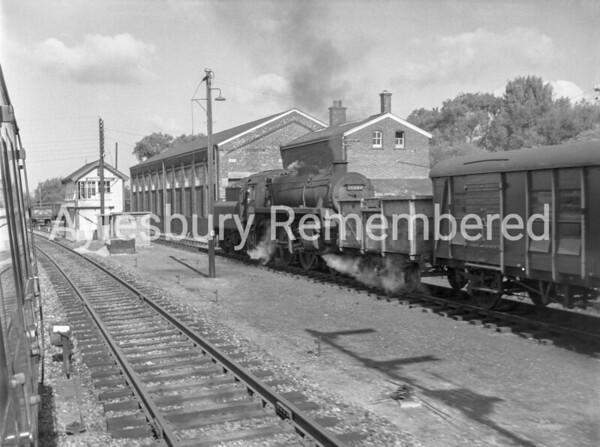 2-6-0 760444 shunting wagons at Aylesbury Station, Aug 29th 1964