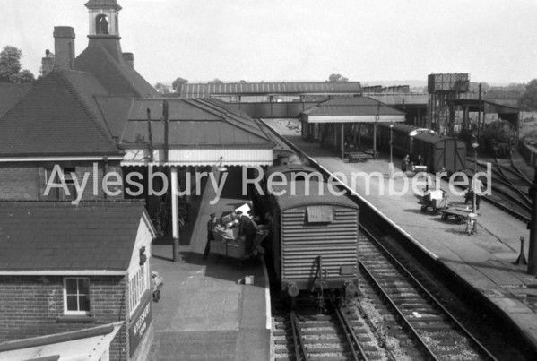 Aylesbury Town Station, 1963
