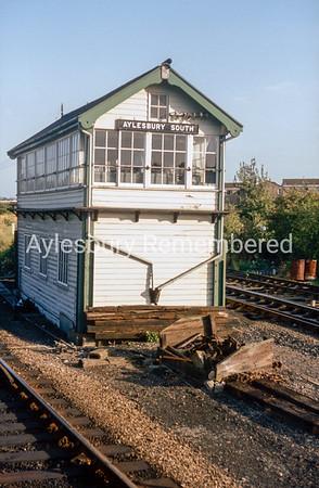 Aylesbury South signal box, Sep 1983