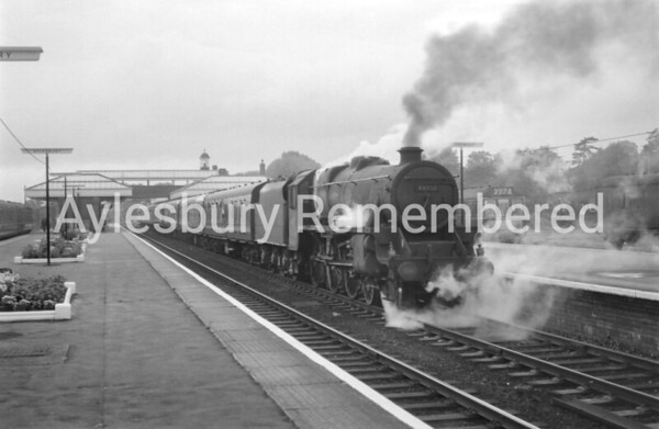 Aylesbury Town Station, 1966