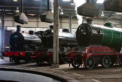 The J17 has its BR number on the smokebox door. Next to it is 04 63601 and D11/1 506.