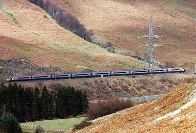 Harthope viaduct is less than a mile in front of the driver of this unknown class 390 Pendolino set heading for Glasgow.