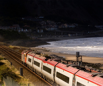 57311 heads into the gloom at Penmaenmawr on 27/10/12