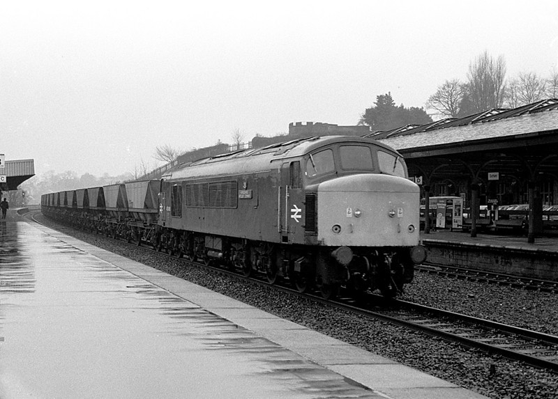 45 006 heading MGR hoppers north through Durham Station  11/03/81