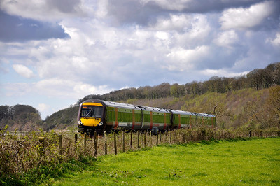170519 with the 1M94 1045 Cardiff Central to Nottingham sevice near Purton.