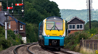 175004 with the 1V81 11:30 Manchester Piccadilly to Carmarthen service, seen here at Moreton on Lugg.