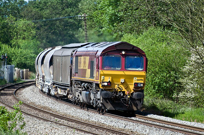 66096 with the 04:00 Exeter Riverside N.Y. to Bescot Down Side clay. Normally this service would go via the marches but was diverted due to engineering works. Seen here just north of Naas Lane crossing on the 9th of june 2013.