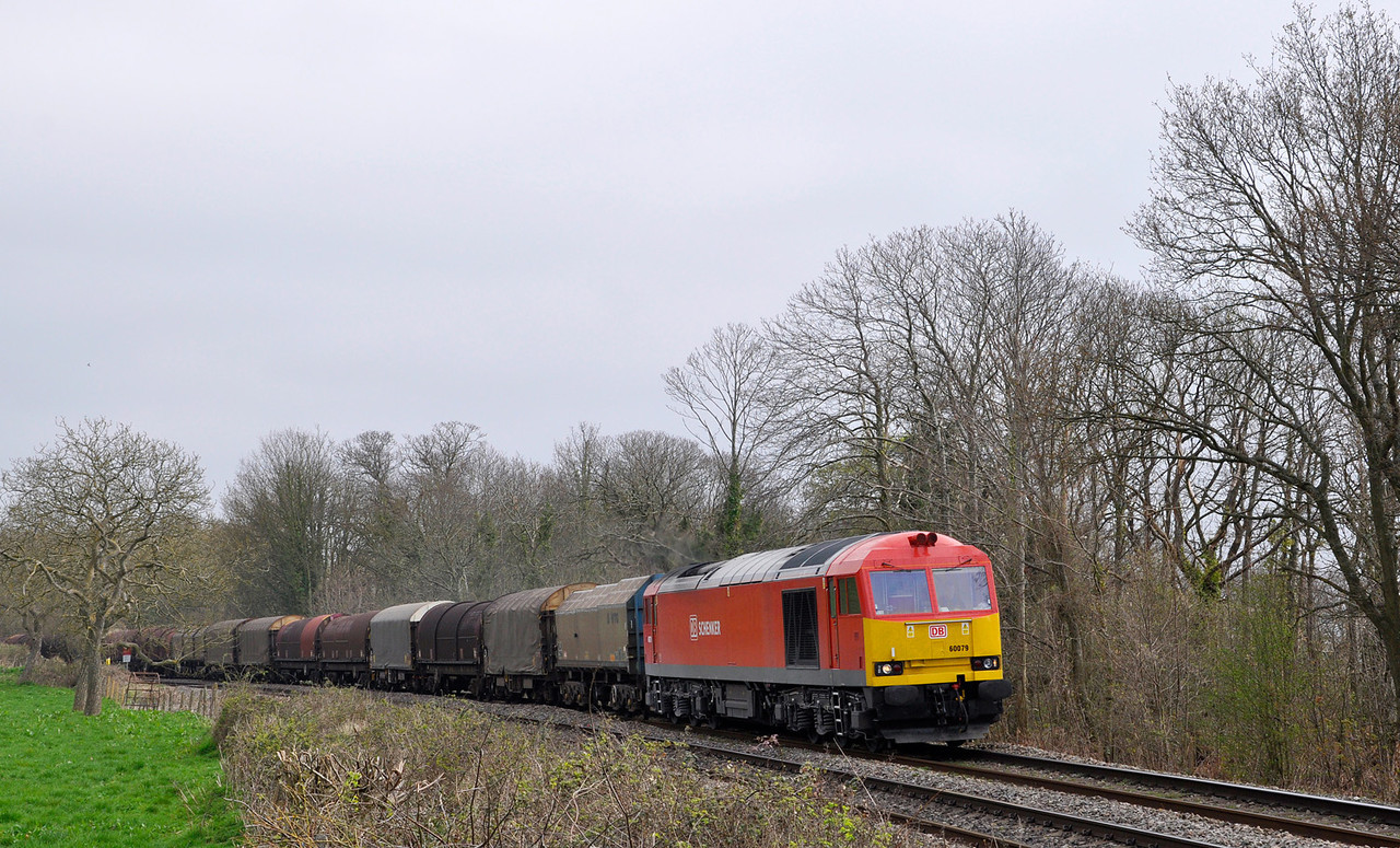 60079 with an early 6V05 Round Oak to Margam T.C. covered steel.