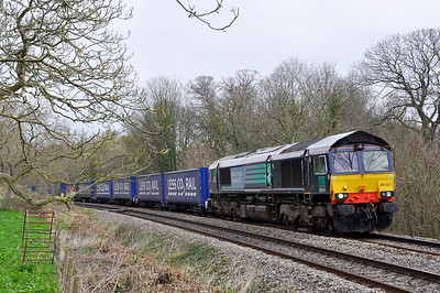 66424 with the 4V38 Daventry-Wentloog 'Tesco Express' near Purton.