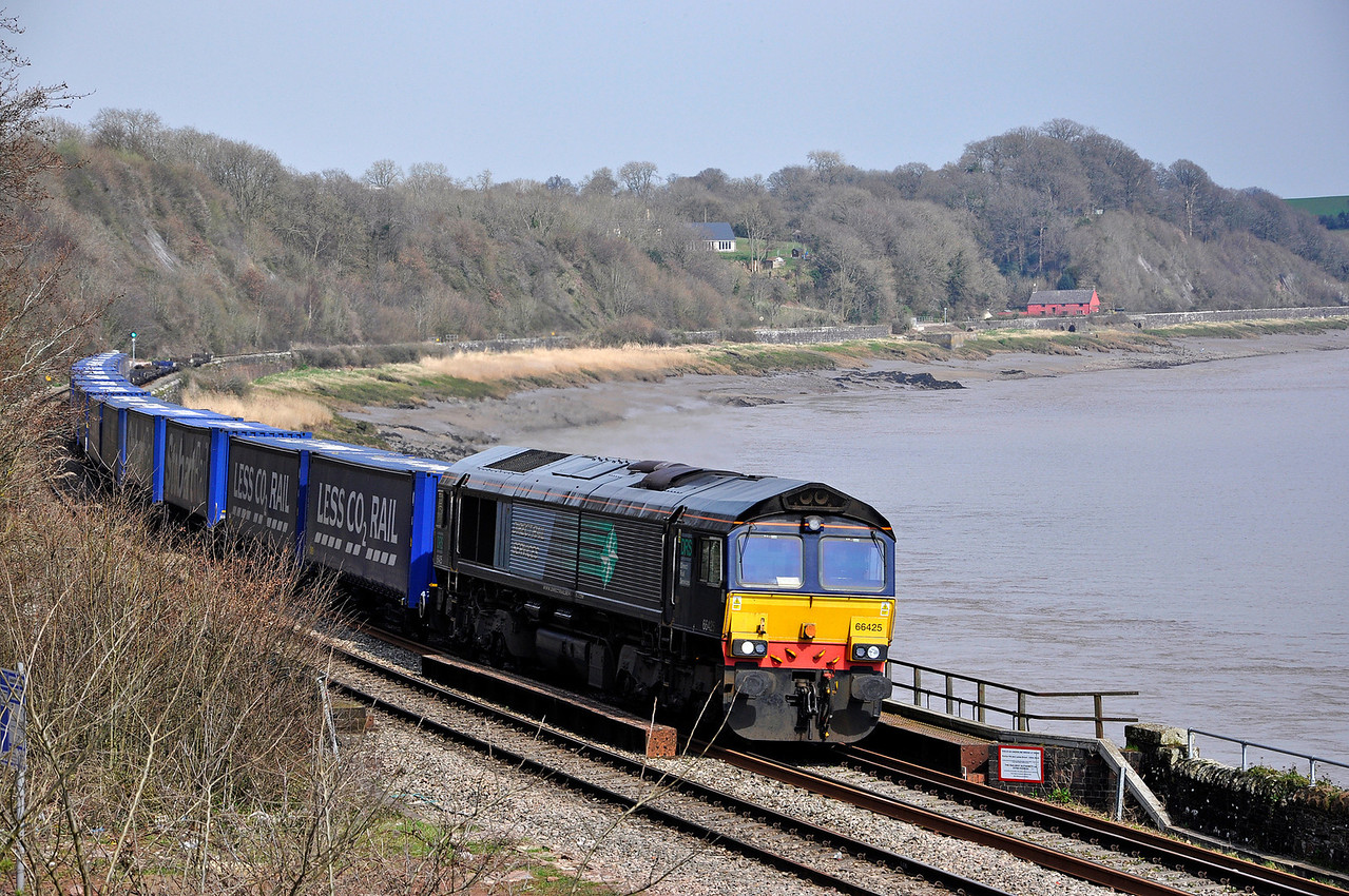 66425 with DRS's  11:37 Daventry  to Wentloog Tesco Train. Seen here at Purton.