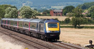 The 10:20 Swansea to London Paddington service at Churcham.