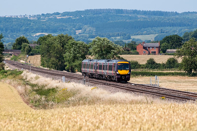 The 10:42 Cardiff Central to Nottingham service at Churcham.