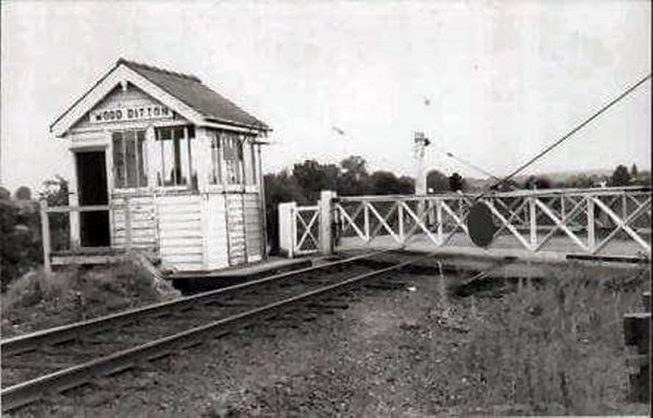 Rather poor shot of Wood Ditton crossing, Dullingham side of Newmarket.
