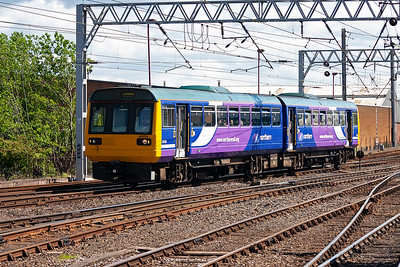 A completely different train is the class 142 Pacer unit, this doesn't tilt it bounces!! 142019 runs in with a terminating service from Newcastle.