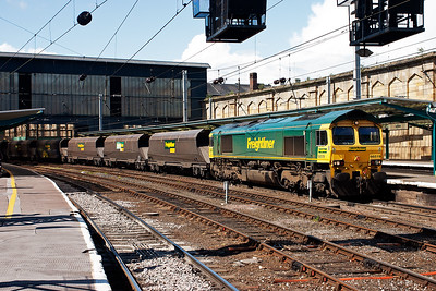 Lit perfectly by the mid afternoon sun is 66519 with 6Z32 0929 Killoch to Stourton, Leeds loaded coal hoppers.
