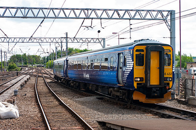 156432 wears the new ScotRail livery and runs into platform 1. It will sit here for some 25 minutes before continuing to Stranraer. 2N29 1239 Newcastle to Stranraer.