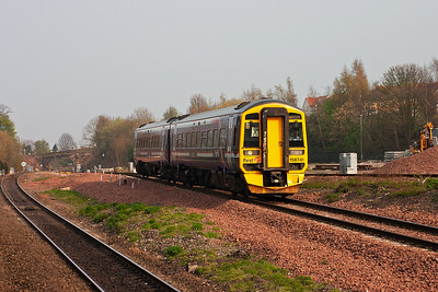Sprinter 158741 takes the Stirling road at Polmont Junction with 2P59 1622 Newcraighall to Dunblane.  14/4/2007