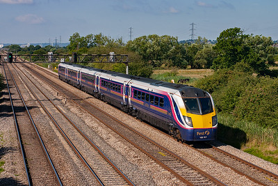 The variety of trains, albeit mainly units, has been superb. Class 180 Adelante 180101 speeds along the level track with 1L46 0955 Cardiff to Paddington.
