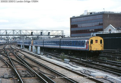 205032 205012 London Bridge 170894