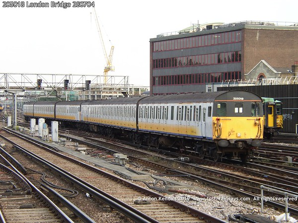 205018 London Bridge 280704