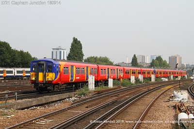 5721 Clapham Junction 180914