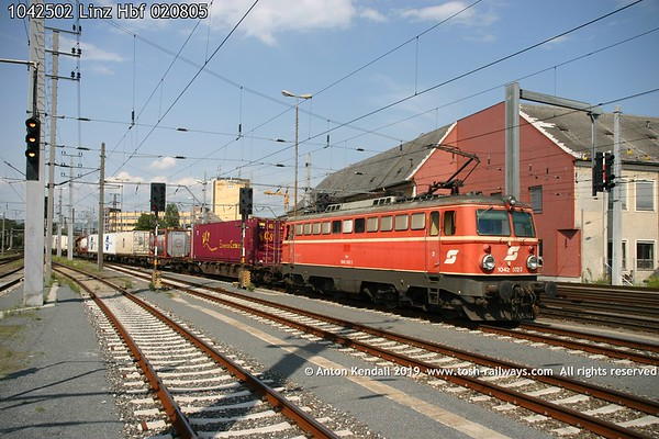 1042502 Linz Hbf 020805