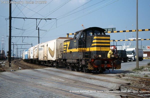 7410 Antwerp Docks 010999
