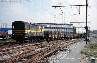 8516 Antwerp Docks 010999