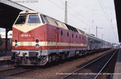 219049-4 Magdeburg Hbf 220298
