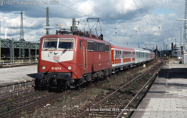 111027-9 Muenchen Ost 0999