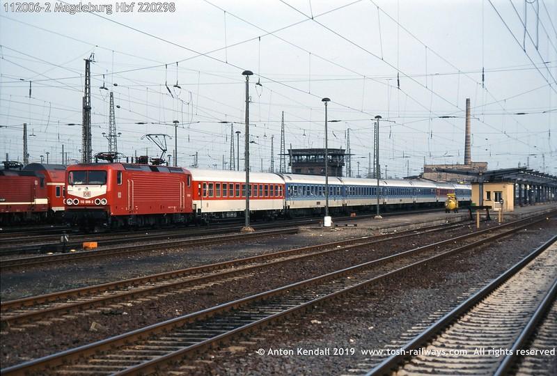 112006-2 Magdeburg Hbf 220298