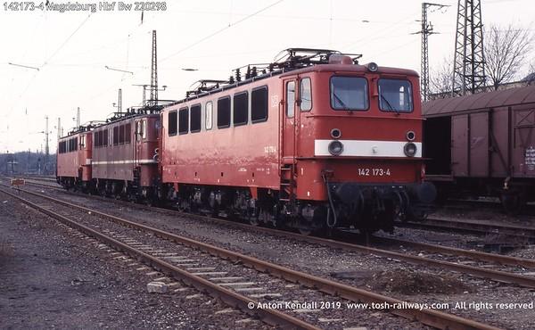 142173-4 Magdeburg Hbf Bw 220298