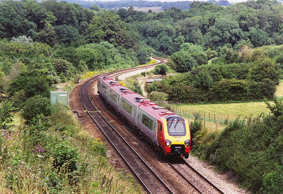 Another move to another classic location, the west bound climb to Dainton Summit, this is the awesome Dainton Bank. 221125 climbs the ruling 1 in 44 grade with 1V46 0913 Liverpool to Plymouth. The actual gradient varies between 1 in 36 and 1 in 56.