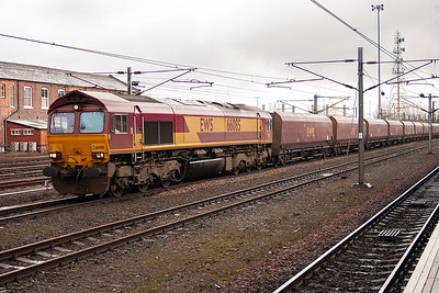Scottish open cast coal is low in sulphur and much in demand for the English power stations, therefore the flows are very long. 66085 runs south with 6E77 from Falkland Yard to West Burton Power Station.