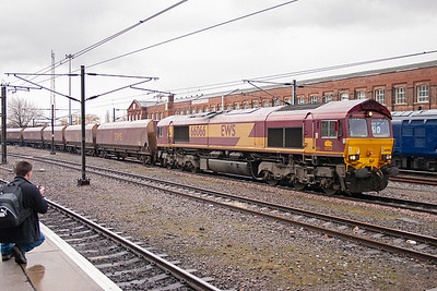 Goods 2 loop is bidirectional as 66066 runs north with empty HTA coal hoppers. The train is 6G70 1234 West Burton Power Station to Gascoigne Wood. Since the closure of the Selby Coal Field no coal is loaded at Gascoigne Wood now but the sidings are used as storage roads.