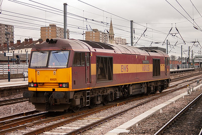 60025 runs south light engine from Selby as 0D92 bound for Belmont Yard.